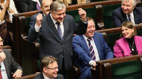Nocne obrady w Sejmie. Drzemka posła Jurgiela