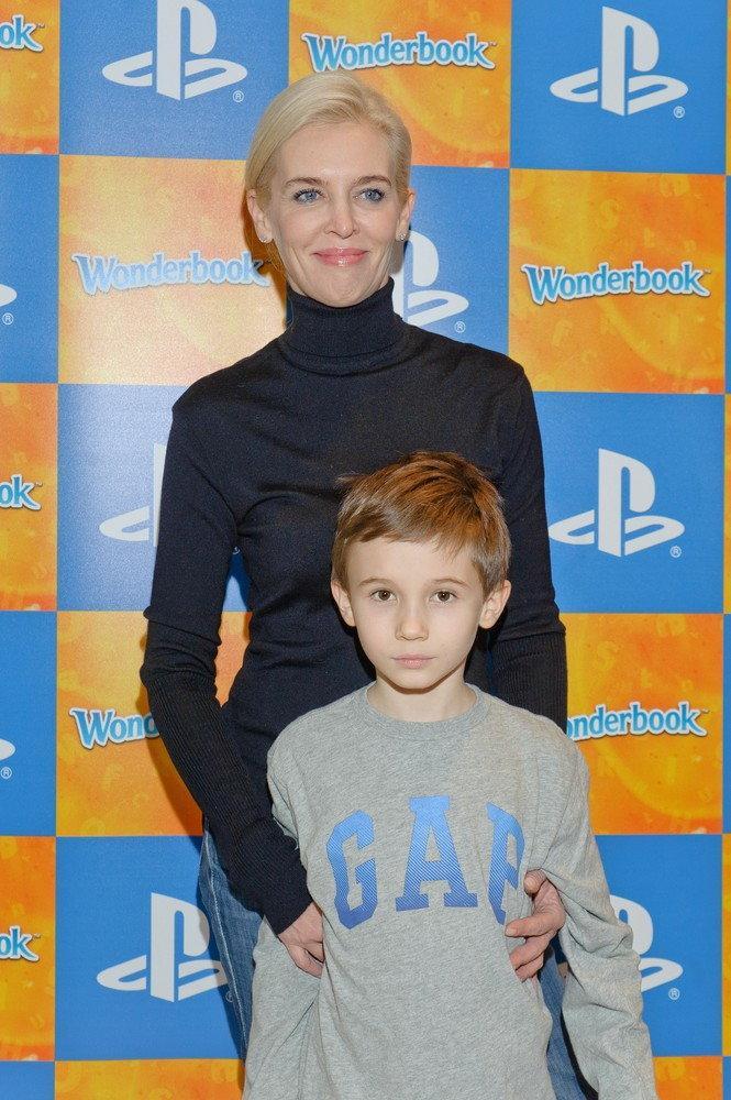 Bogna Sworowska z synem 2012 / EAST NEWS