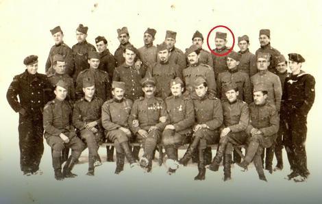 Vlastimir Jovanović (u krugu) mogao bi takođe biti otac Volfganga Pecolda