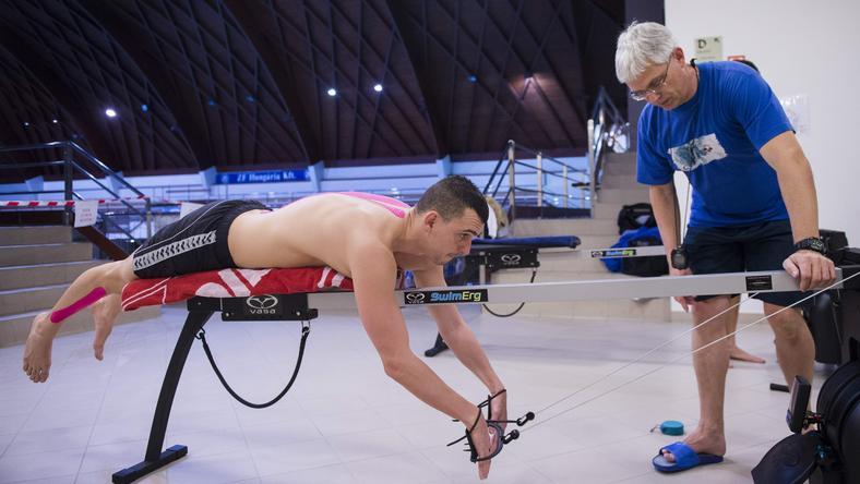 Cseh Laci új módszerekkel is megismerkedett Plagányi Zsolt (jobbra) vezetésével /Fotó: MTI - Illyés Tibor