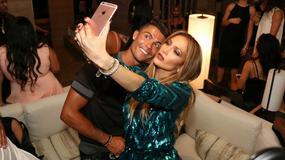 Jennifer Lopez wyprawiła huczne urodziny z udziałem gwiazd. Piosenkarka zachwyciła dwiema kreacjami