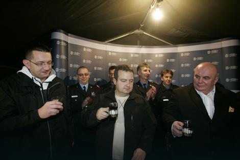 Premijer Dačić je prošlog 14. januara obilazio i nazdravljao pripadnicima MUP-a