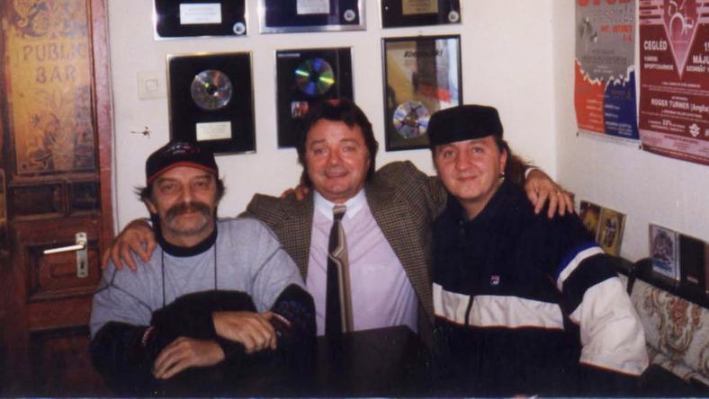 Jimmy és Aradszky között az ismert zeneszerző, Kaszás Péter volt az összekötőkapocs, ugyanis mindkettőjüknek számos slágert írt – aztán kettejük munkakapcsolata barátságba csapott át