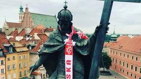 Król także kibicuje polskim piłkarzom. Niecodzienna akcja w Warszawie