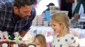 Ben Affleck z córkami na zakupach