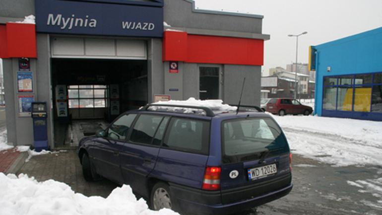 Jak zimą myć auto? Dzięki nam twój samochód będzie czusty również zimą