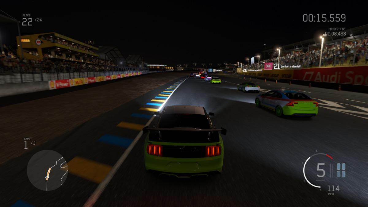 Nočné preteky sú veľmi opatrné
