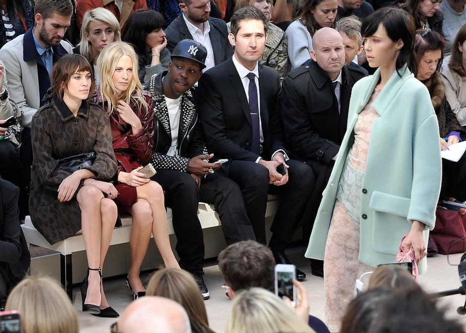 Alexa Chung, Poppy Delevingne, Jamal Edwards, Kevin Systrom i Andrew Bosworth, Burberry Prorsum Womenswear Spring/Summer 2014  / Getty Images