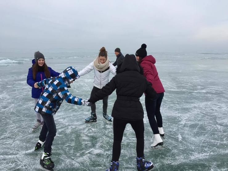 Kihasználják a jeget, amíg lehet / Fotó: Vajta Zoltán
