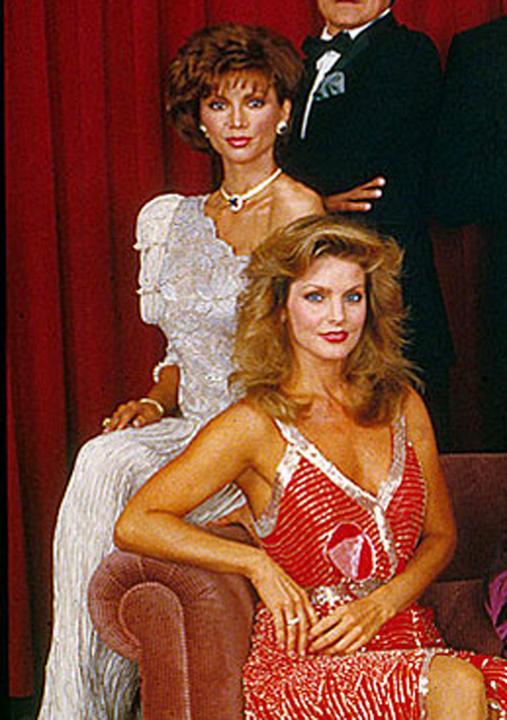 Pamela és Jenna: Mindketten imádták Bobby-t a sorozatban.