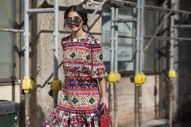 Must have: kolorowe sukienki
