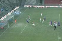Cracovia - Sandecja (2:1): Kuriozalny gol dla gości! Rzut rożny, obrońcy Cracovii... nie wiedzieli, że gra jest wznowiona. Niepilnowany Piszczek trafia