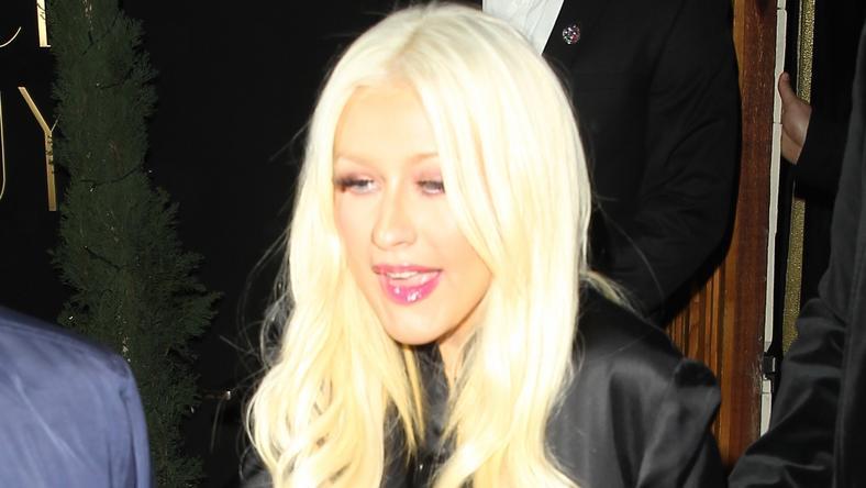 Aguilera csúnyán besült a himnusszal /Fotó: AFP