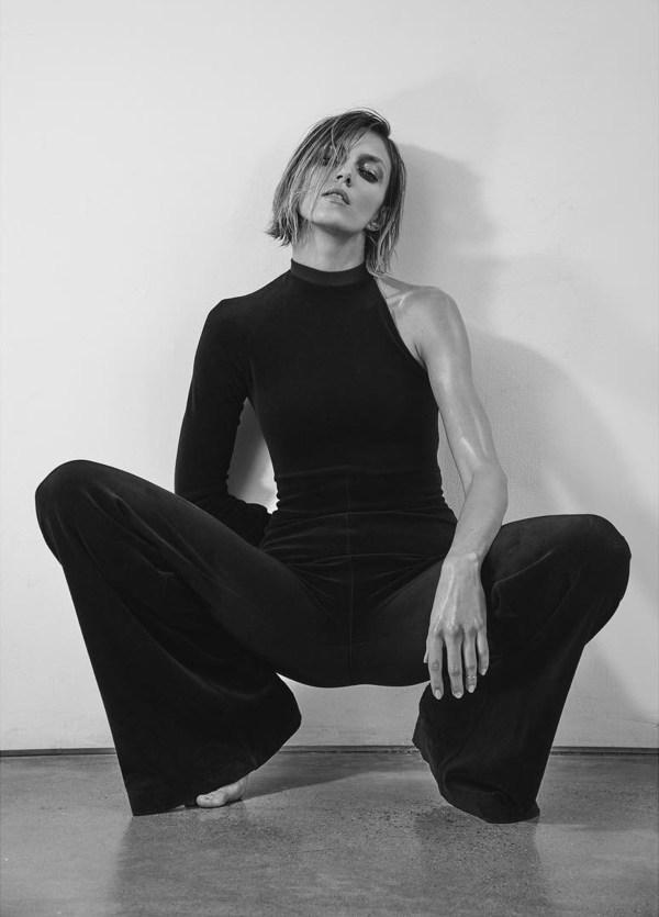 """Anja Rubik w ukraińskim wydaniu """"Vogue'a"""""""