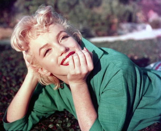 Czerwone usta w stylu Marilyn Monroe - walentynkowy ideał