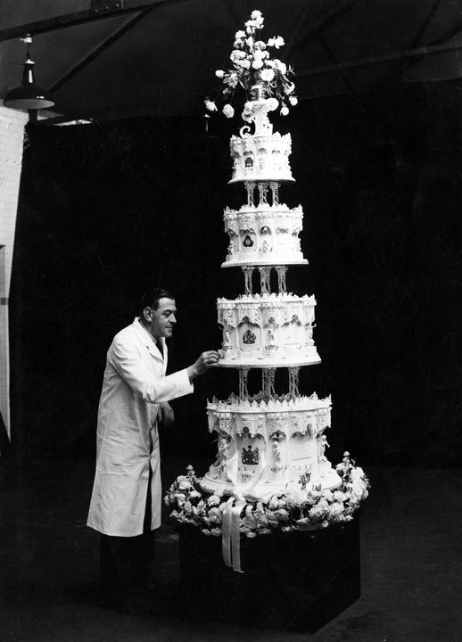 A torta majdnem 3 méter magas volt, és majdnem 200 kilótnyomott / Fotó: Profimedia-Reddot