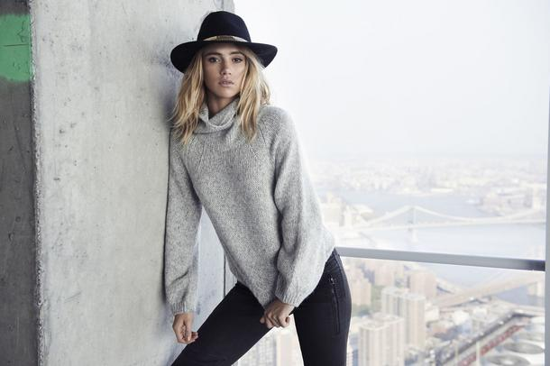 Dlaczego warto zainwestować w kaszmirowy sweter?