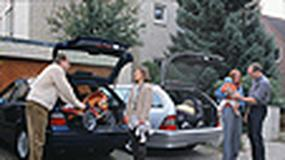 BMW serii 3 kontra Mercedes klasy C - Idea ta sama, charakter już nie