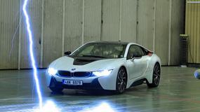 BMW i8 - samochód z piorunującym wrażeniem