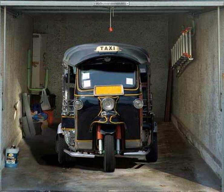 Odjechane Naklejki Na Drzwi Garażowe Auto Świat