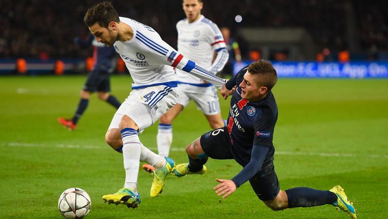 A Chelsea spanyolját, Cesc Fábregast (balra) nem kí- mélte a Paris SG olasza,  Marco Verratti az első  meccsen – a visszavágón  is parázs lesz a hangulat / Fotó: EUROPRESS GETTY IMAGES
