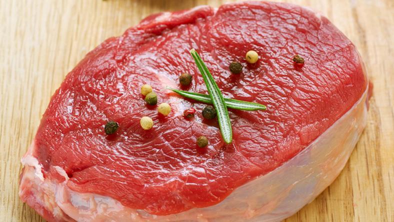 Finom, de veszélyes a nyers hús / Fotó: Northfoto