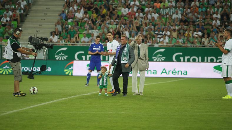 Az új Fradi-stadionban nagy élmény a kezdőlövés /Fotó: RAS Archívum