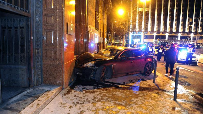 A Porsche Panamerából a baleset után kipattanó fiatalok szemtanúk szerint végigkacarászták a történetet / Fotó: MTI-Mihádák Zoltán