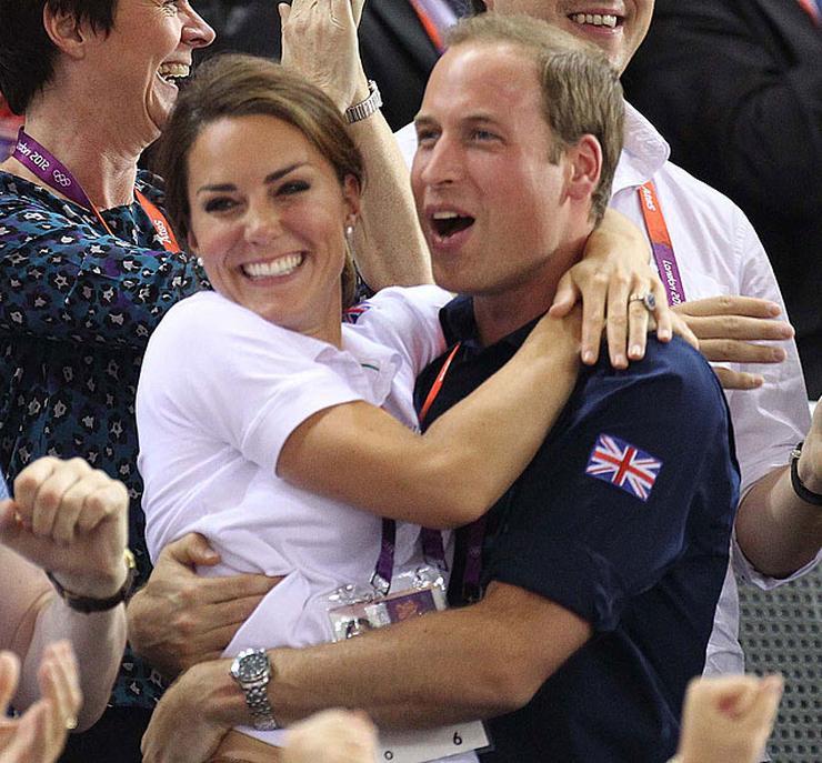 Ma ünnepli 34.szülinapját, a brit királyi család tagja, Diana hercegnő rokona, és millióan szeretik!
