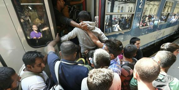Celnicy będą zatrzymywać polskie pociągi jadące do Budapesztu