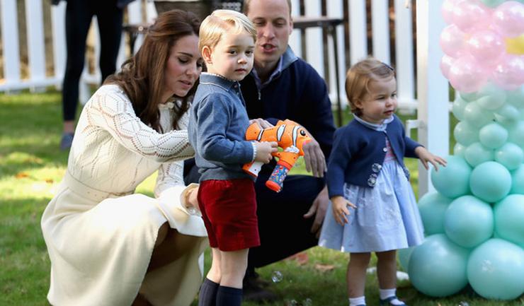 Kanada mindkét hercegi gyereknek tetszett.