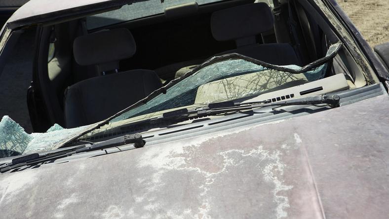 Fának csapódott az autó, egy ember meghalt /Fotó: Northfoto - illusztráció