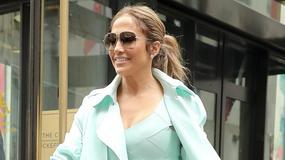 Jennifer Lopez w miętowej stylizacji. Pasuje jej ten kolor?