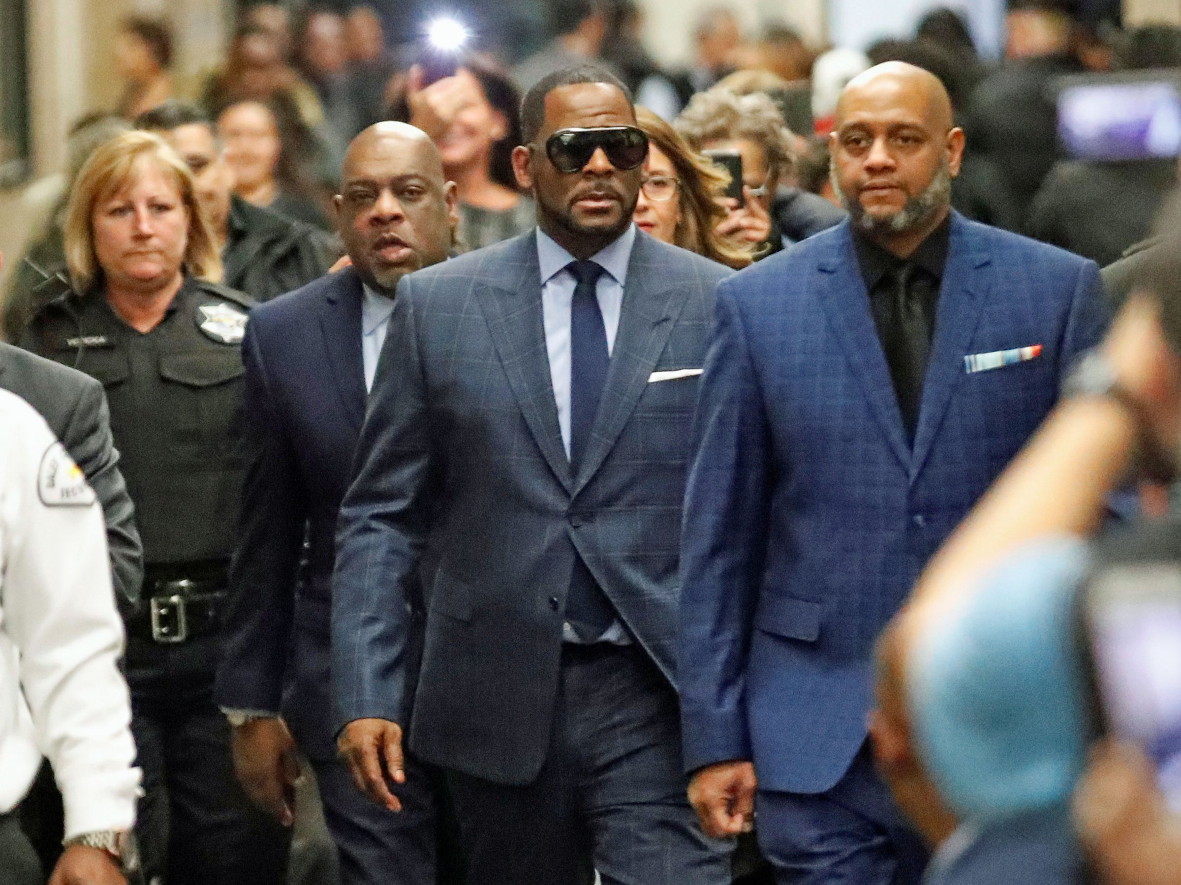 6066b61c e6bb 4556 8a9f 2bfcb1d0ebdf - R.Kelly arrested again, this time on Federal sex crime charges