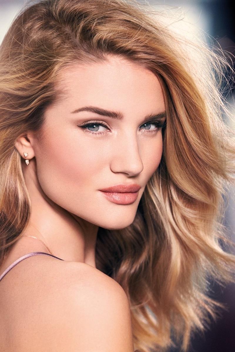 Rosie-Huntington-Whiteley-Autograph-Makeup