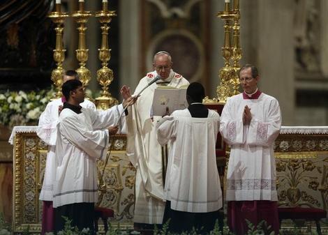 Papa Franja služio je uskršnje bdenje