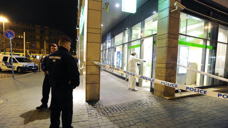 A Balah Lujza téri bankot szerda este rabolták ki /Fotó: MTI - Mihádák Zoltán