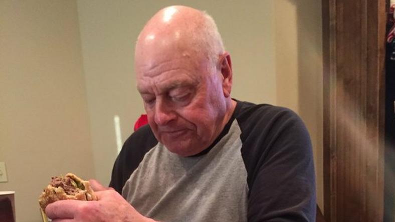 Kenneth nagypapa pár óra alatt világsztár lett unokája jóvoltából.