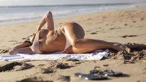 Wygibasy na plaży. Anel robi to najlepiej