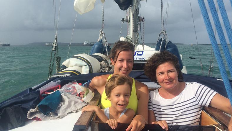 Erika, az anyuka Danival és Dórával, akiről elnevezték a hajót