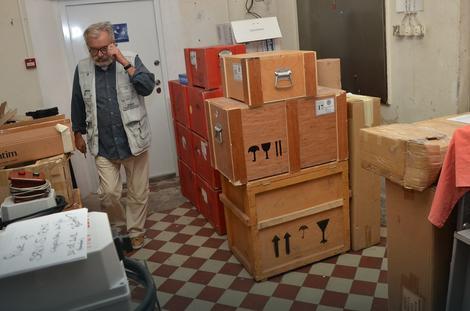 Raznovrsna arhivska građa čuva se u posebnom delu depoa