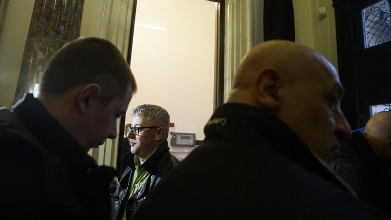Verőlegénynek kinéző kopaszok akadályozták az MSZP-s Nyakó Istvánt / Fotó: Balog Zoltán