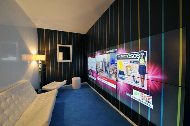 Interaktywne ściany przyszłością telewizji?