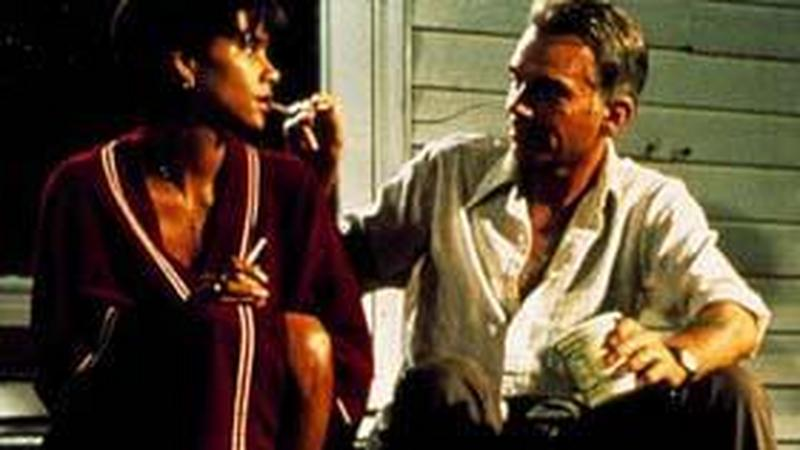 billy bob thornton dating halle berry And now it's billy bob thornton's turn to discuss the intense love scene he shares with halle berry in their.