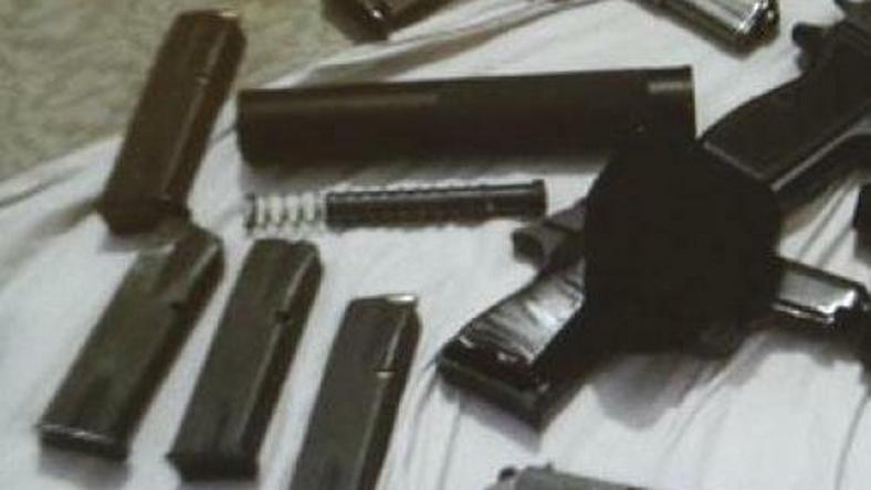 Bérgyilkosok fegyvereit találták meg