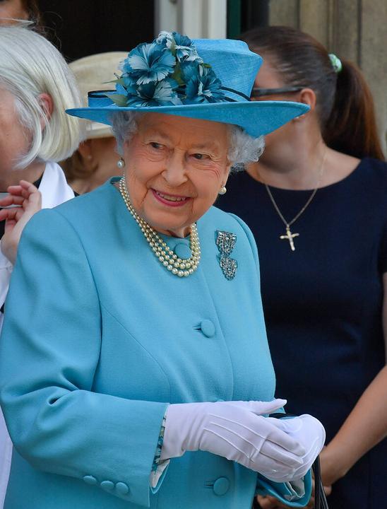 A királynő egyre jobban figyel öltözködésésre Fotók: Puzzlepix