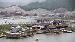 Chiny - replikę pałacu letniego Yuanmingyuan otwarto w Hengdian, 1000 km od Pekinu