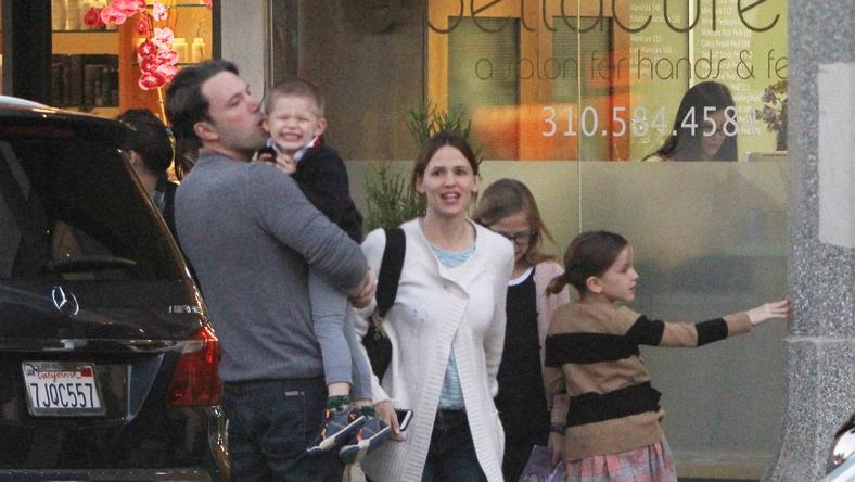 Affleck Jenniferrel és a gyerekekkel tölötte a hétvégét /Fotó: Northfoto