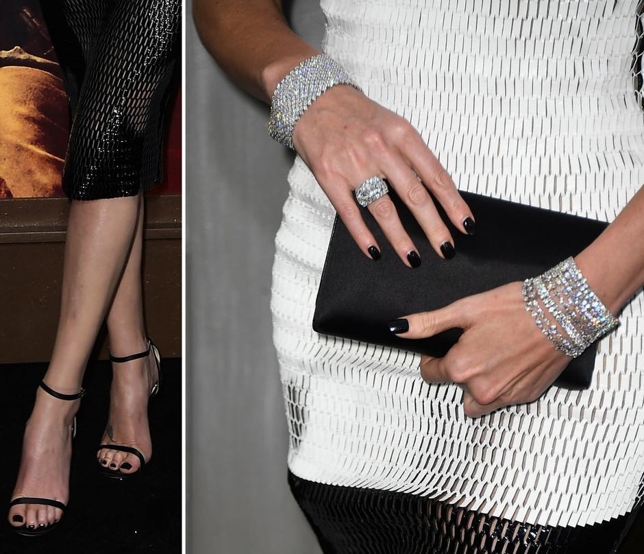 Charlize Theron w sukience Diora na premierze filmu Mad