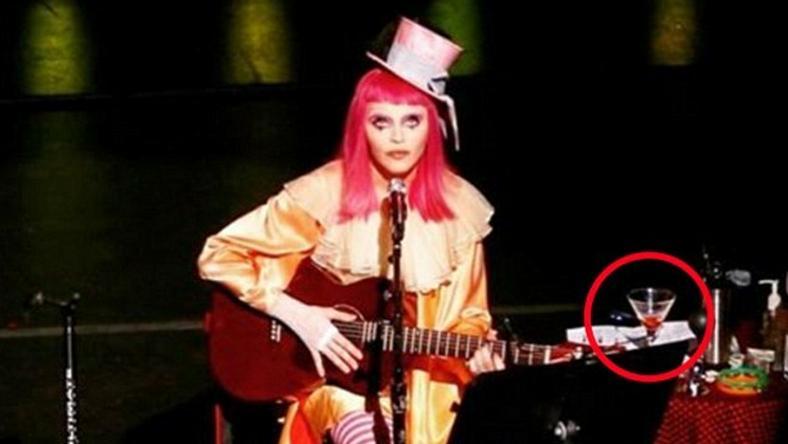Madonna nem egy koktélt fogyaszott el koncert közben